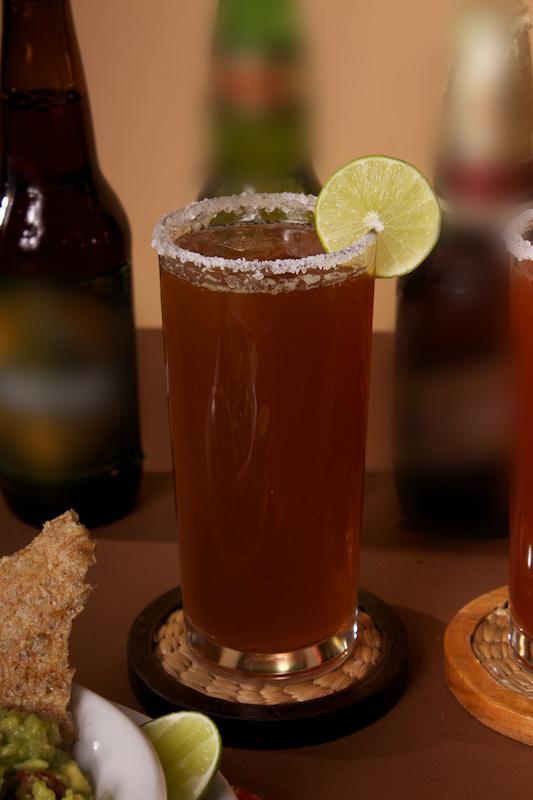 Si puedes mexicana en faldita mamando verga en la calle - 1 part 2